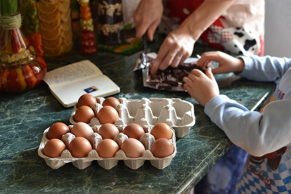 ready steady cook with children - an educational and fun cooking game that all the family can enjoy
