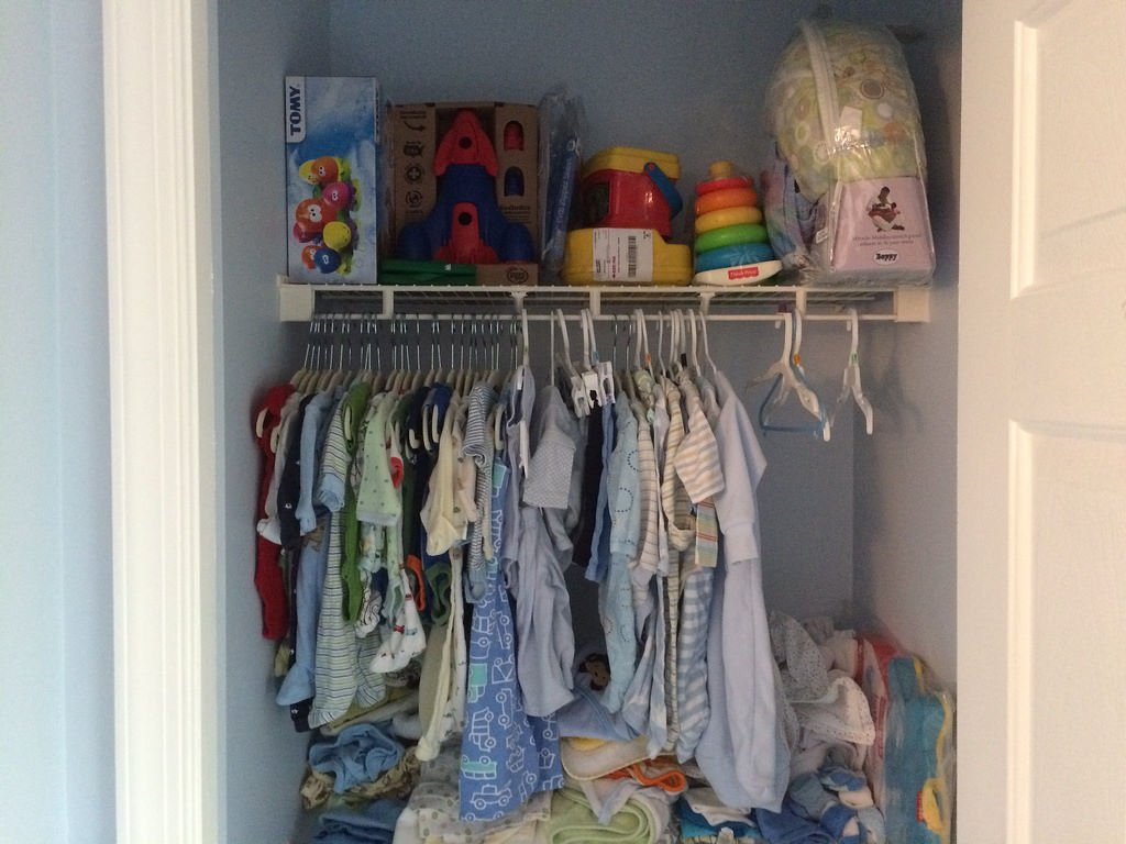 organising your baby storage unit or wardrobe so you can find clothes quickly