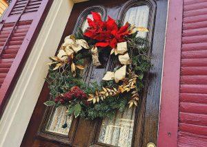 decorate front door original wreath