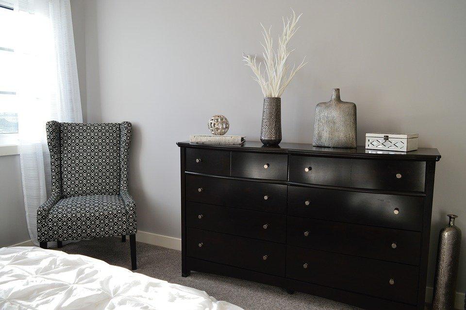 5 inspiring bedroom ideas - using classic pieces