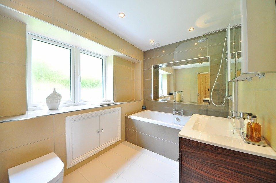 redo bathroom tips and tricks - splurge on the details