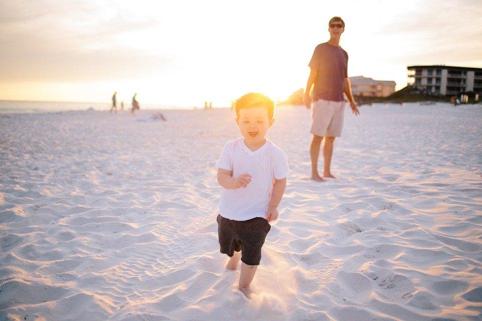 family vacation organisation tips travel light
