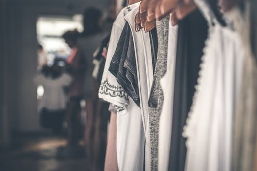 fashion tips how to declutteryour wardrobe without feeling guilty