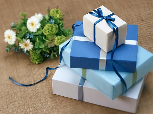 Gifts: 6 gift buying tips to help you buy the right present for family and friends that will help busy mums