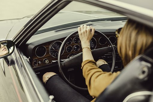 driving tips for women - keep essentials in the car