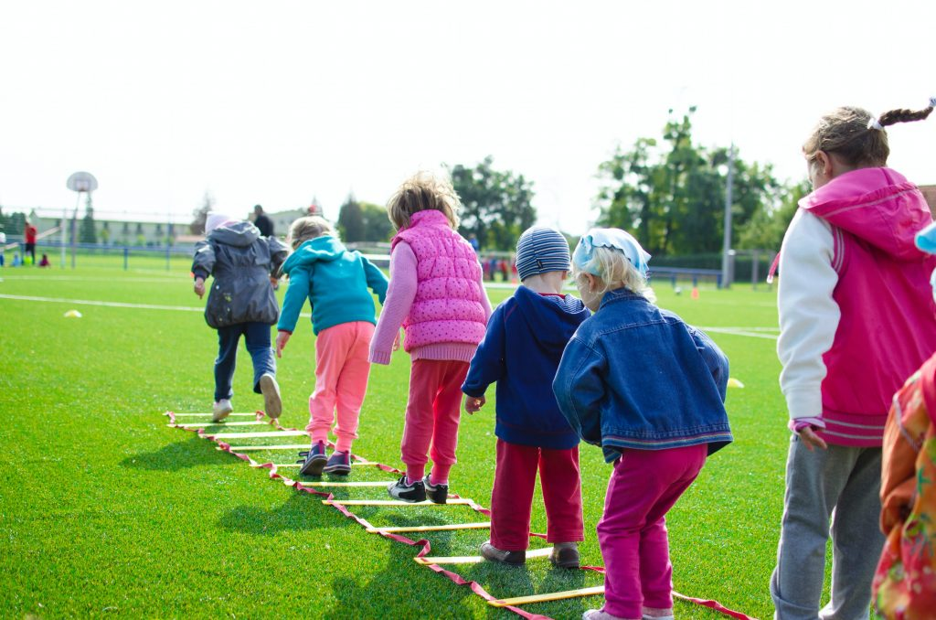 Best activities for kids to have productive summer vacations this year