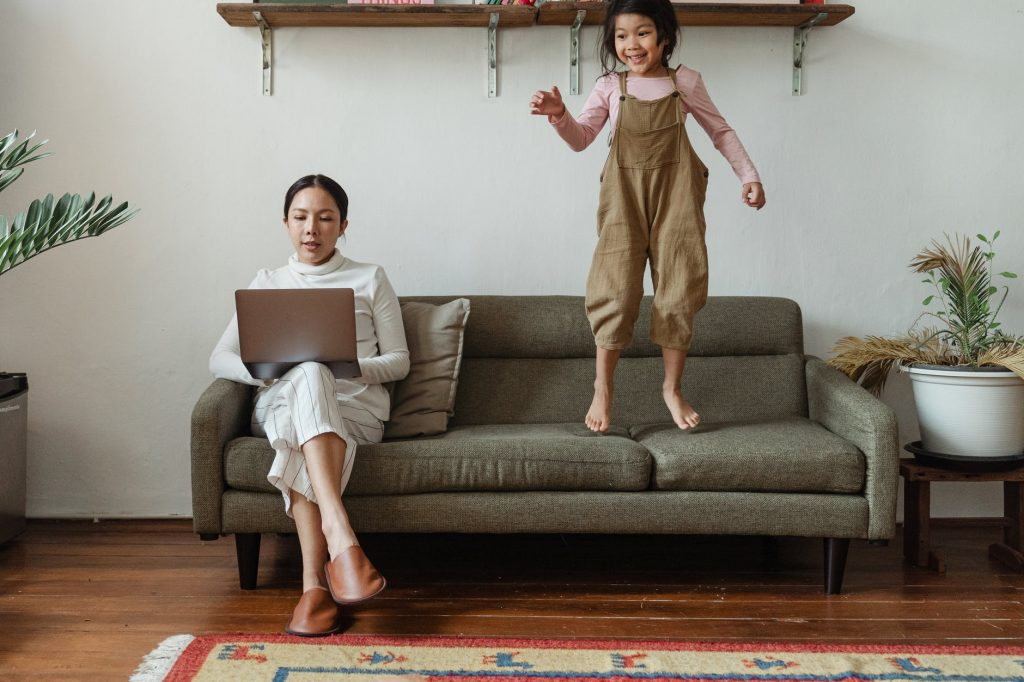 Working mums Survival Guide: Streamline Your Life Like Never Before - household chores